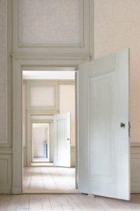 indoors-3117027_640